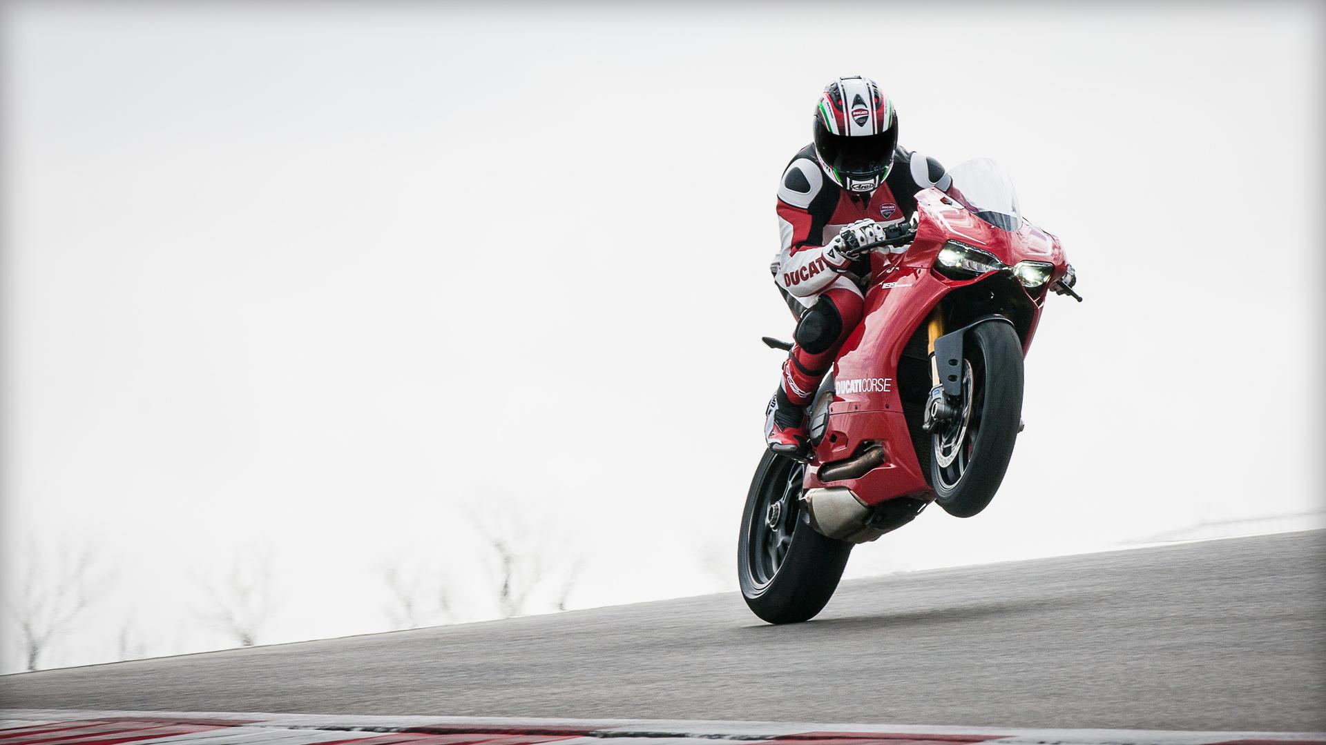 Обои мотоциклисты, Ducati. Мотоциклы foto 2